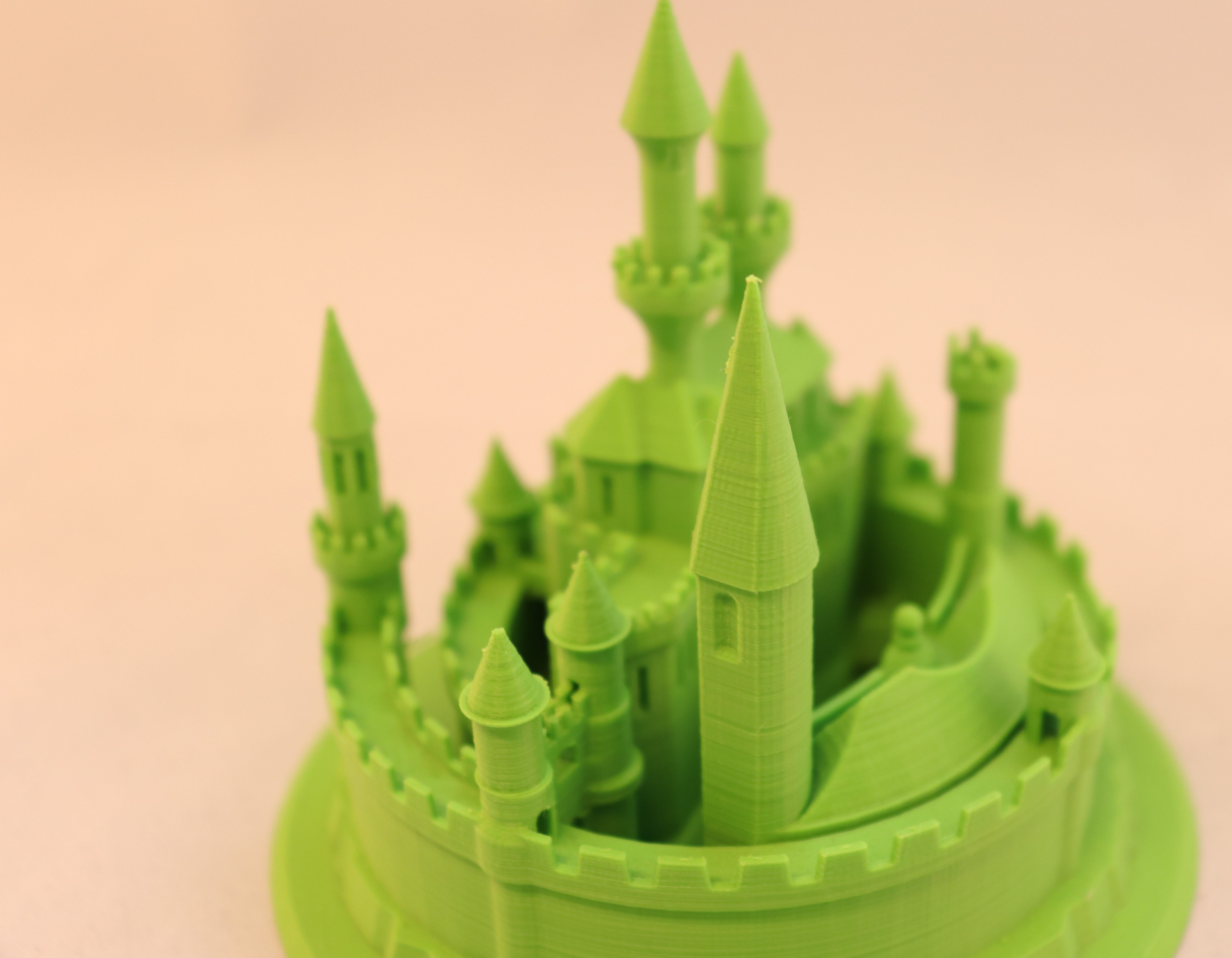 3D geprint groen kasteel close up